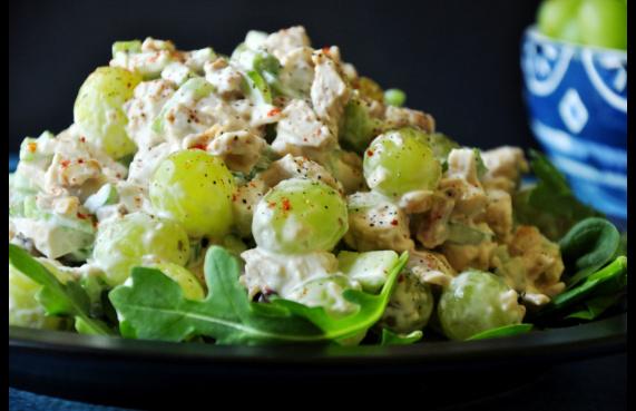 salad giảm cân với ức gà