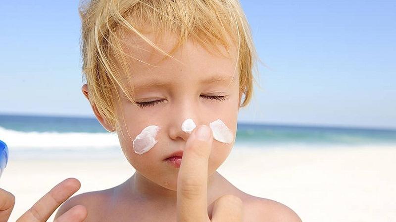 kem chống nắng cho bé