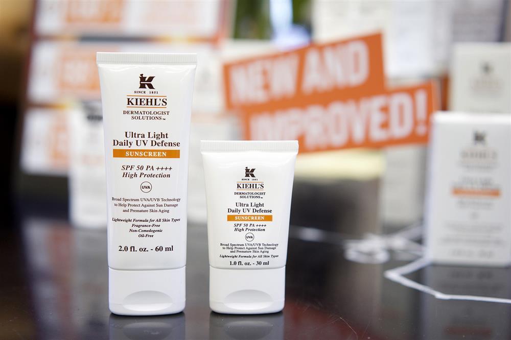 kem chống nắng kiềm dầu Kiehl's Ultra Light Daily UV Defense